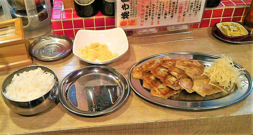 梅田にある初代バタヤの焼き餃子 ~しょうがと共に~