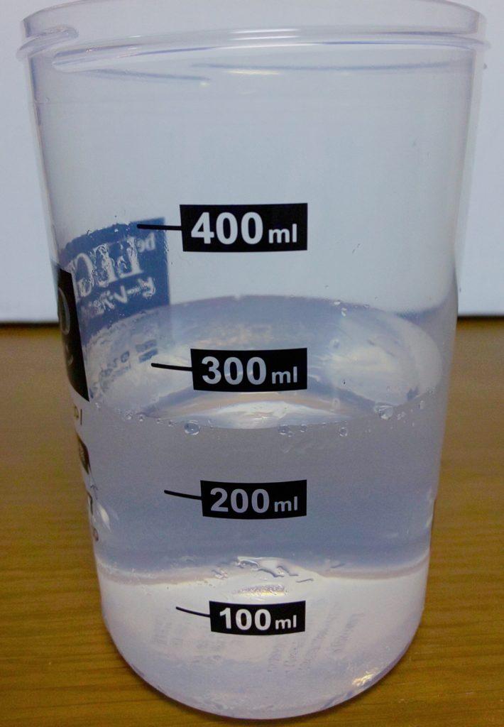 ビーレジェンドプロテインのベリベリベリーの水の量