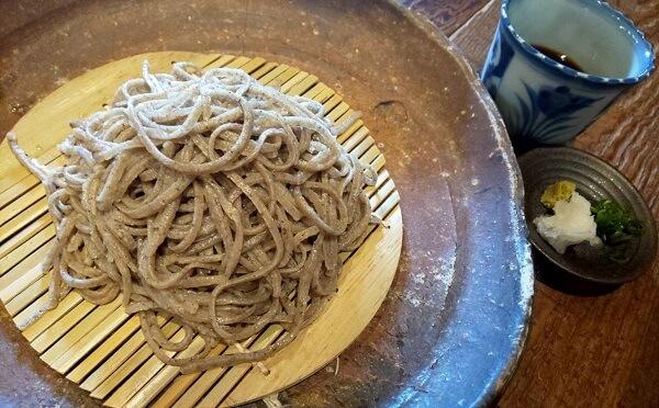 大阪狭山市にある愛の十割蕎麦
