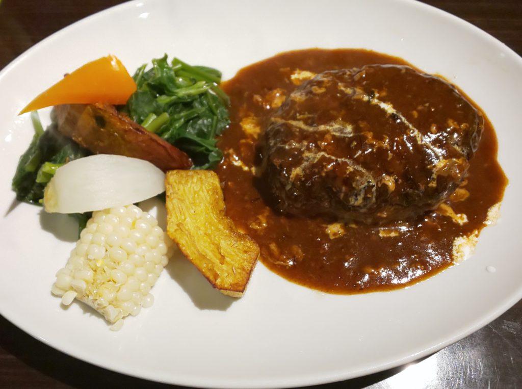 大阪狭山市にある洋食のラグーのデミグラスソースハンバーグ