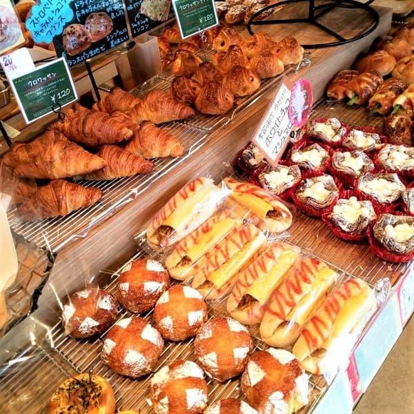大阪狭山市にあるパリーネの焼きたてパン