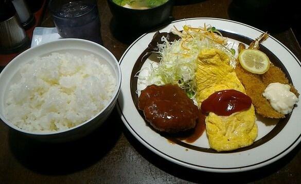 梅田にあるおおさかぐりるの洋食