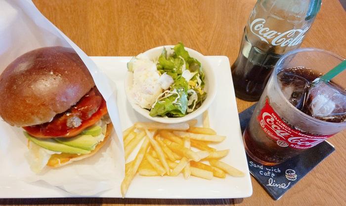八尾市にあるlineのハンバーガー
