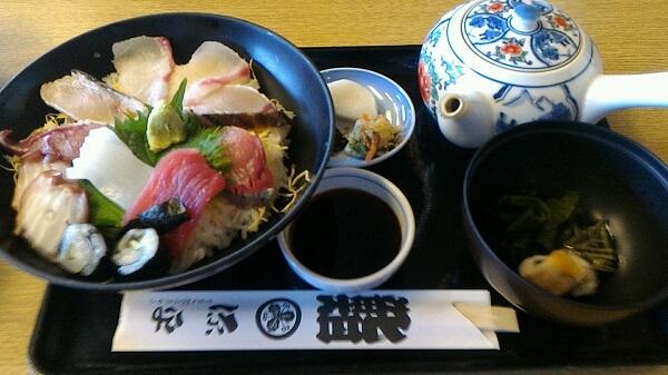 淡路島にある源平の海鮮丼