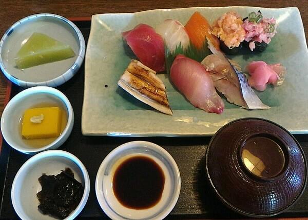 橿原市にある横田寿司の寿司
