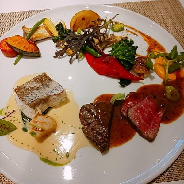 大阪府の結婚式場、迎賓館のメイン料理