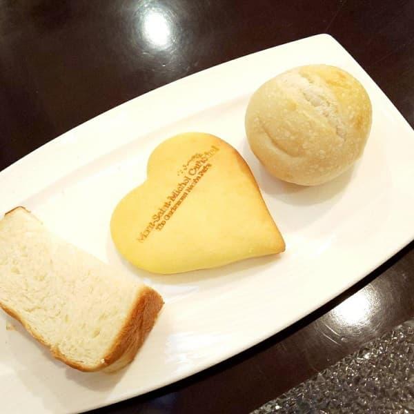 大阪府の結婚式場、モンサンミッシェル大聖堂のパン
