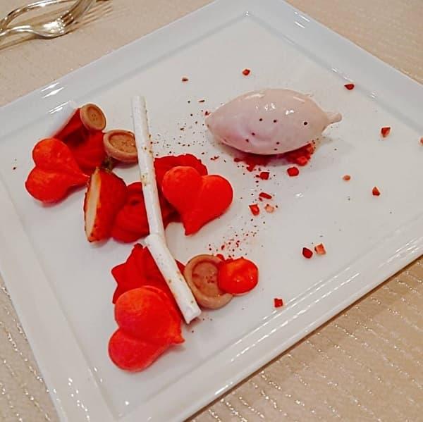 大阪府の結婚式場、セントラファエロチャペル御堂筋のデザート